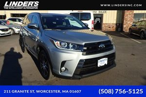 View 2017 Toyota Highlander