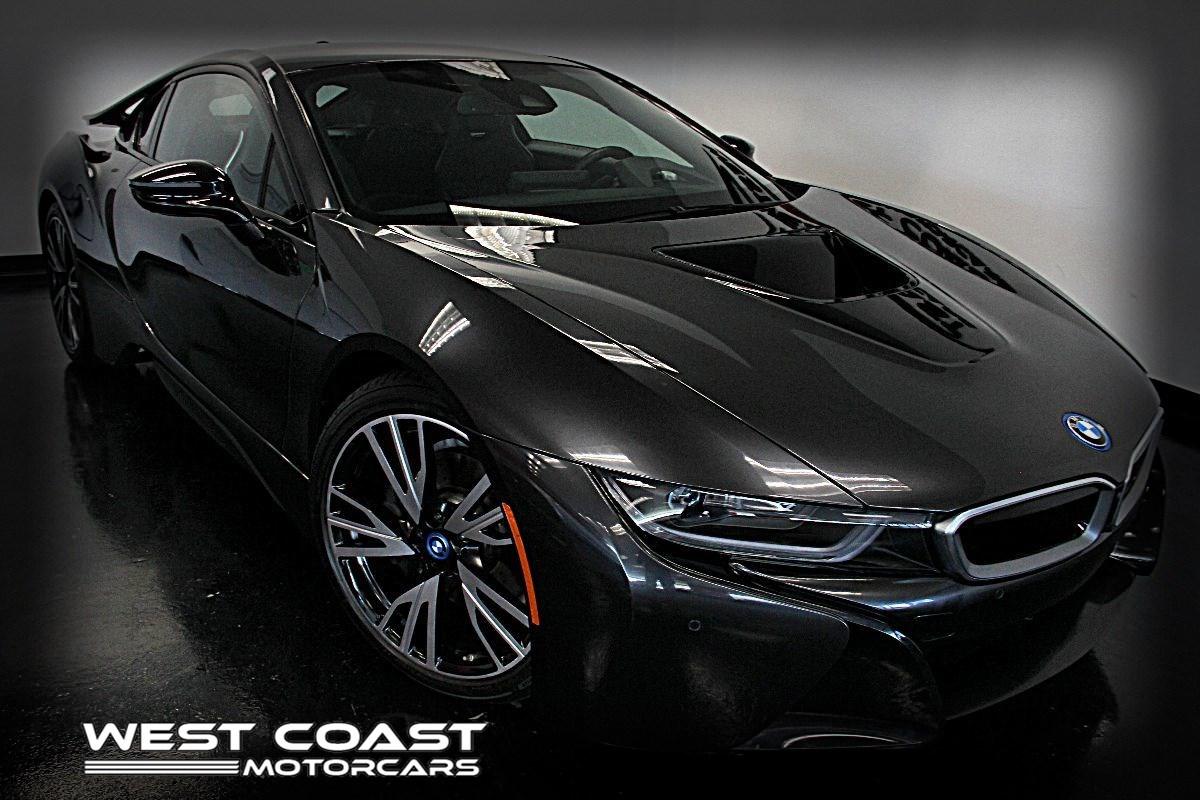 2016 BMW i8 ALL WHEEL DRIVE*BMW LASERLIGHT*RARE PRODUCT HEAD-UP DISPLAY*HIGHLY OPTIONED*MSRP($149,000)