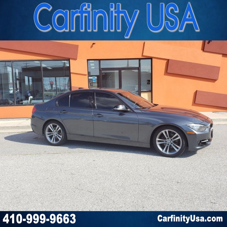 2014 BMW 3 Series 328i w/NAV and Back Up Camera and Bluetooth