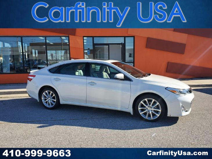 2014 Toyota Avalon Limited w/NAV and Blind Spot and Back Up Camera