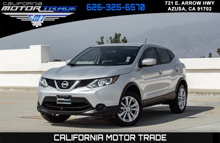 2017 Nissan Rogue Sport S (BACKUP CAMERA & BLUETOOTH)