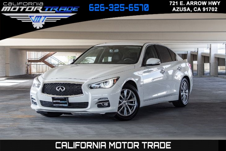 2017 INFINITI Q50 2.0t (TURBOCHARGED & LEATHER SEATS)