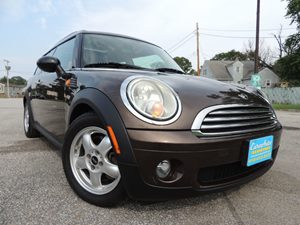 View 2010 MINI Cooper Clubman