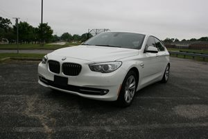 View 2011 BMW 5 Series Gran Turismo