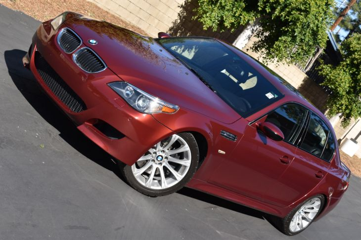 2006 BMW 5 Series M5   LOADED!!  LOW MILES!!