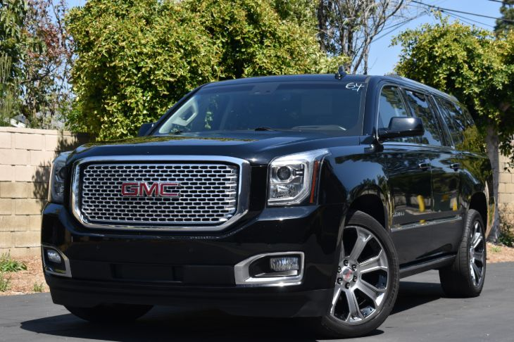 2017 GMC Yukon XL  4X4 Denali  LOADED WITH ALL OPTIONS!!!