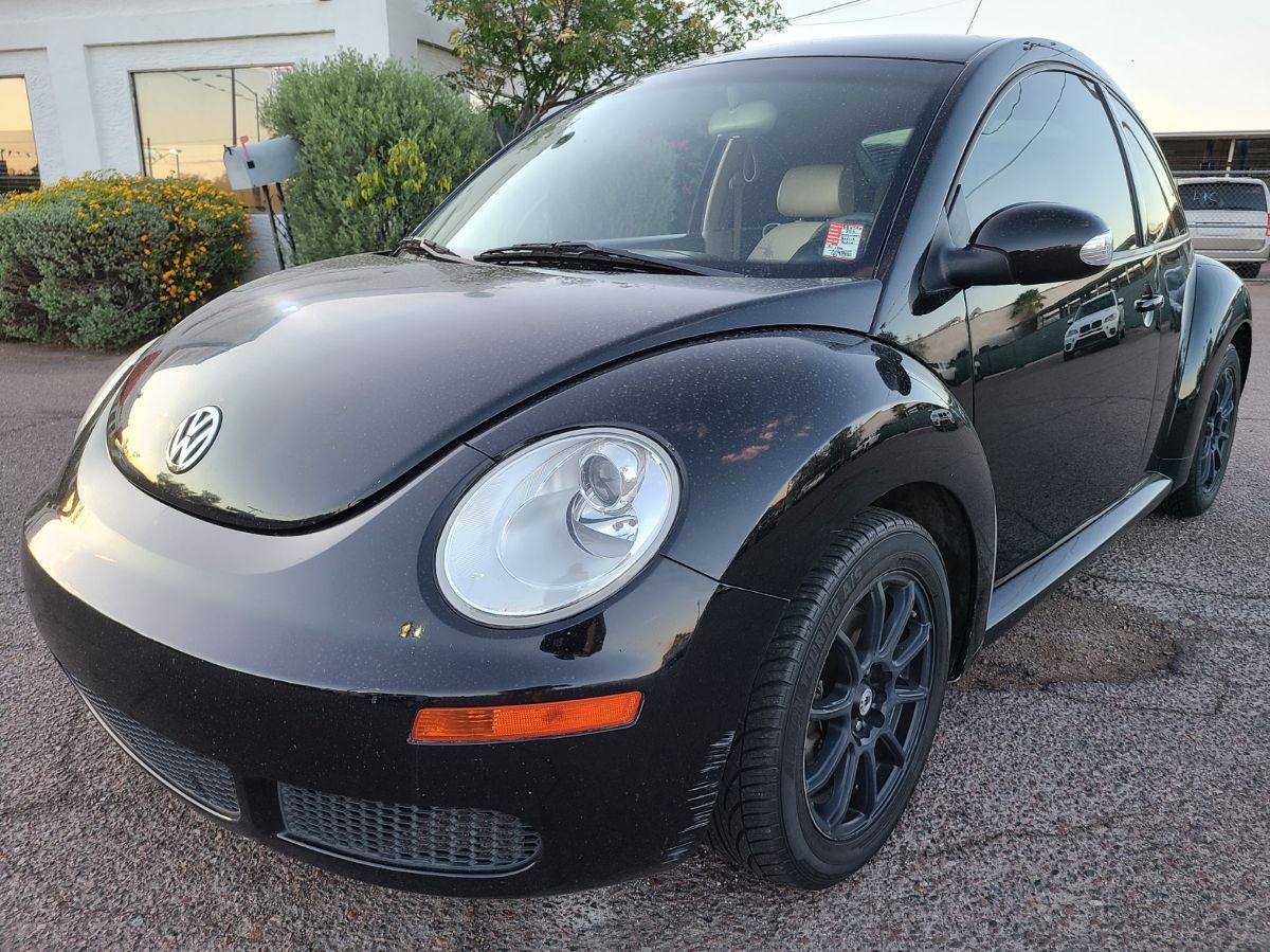 2010 Volkswagen New Beetle Coupe Final Edition