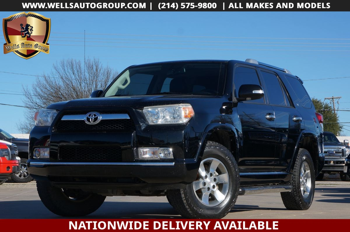 2013 Toyota 4Runner SR5 | 4X4| LTHR| SNRF| LOADED