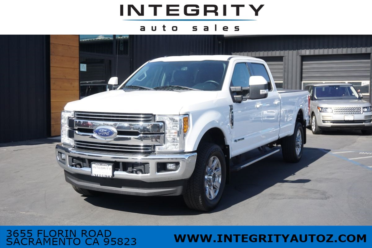 2017 Ford Super Duty F-350 SRW Lariat Pickup 4D 8 ft
