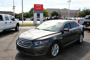 View 2016 Ford Taurus