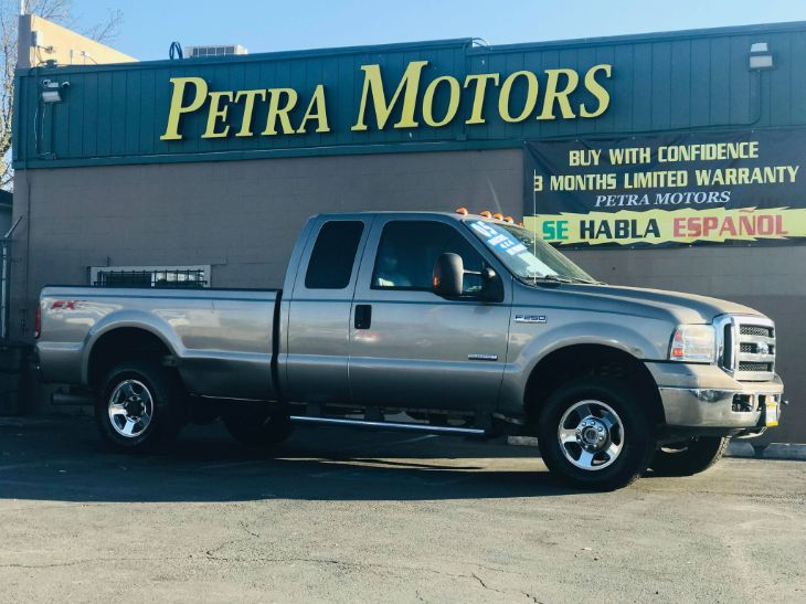 2005 Ford Super Duty F-250 Lariat