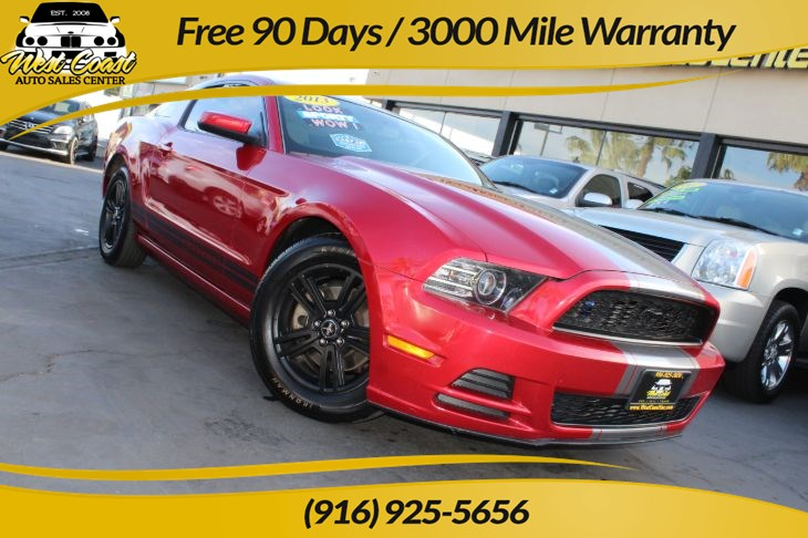 2013 Ford Mustang V6 Premium, Sporty with Nice Exhaust!
