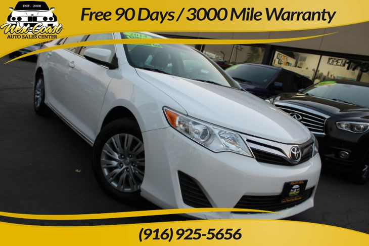 2014 Toyota Camry LE | Extra Clean, Gas Saver