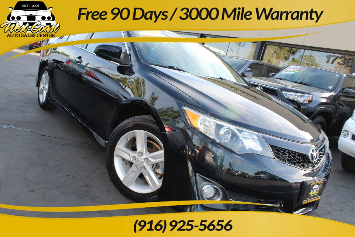 2012 Toyota Camry SE | Gas Saver, Extra Clean