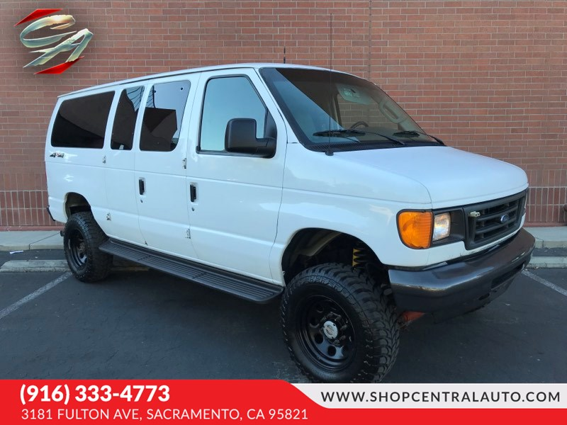 2007 Ford Econoline Wagon E-350 SD XL 4WD