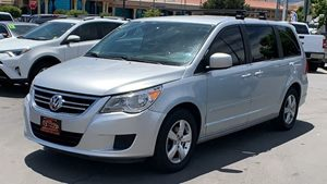 View 2009 Volkswagen Routan