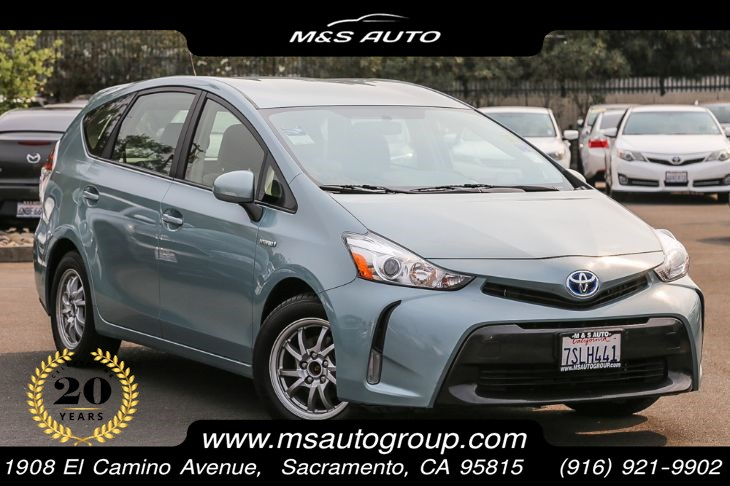 2016 Toyota Prius V Three With Navigation