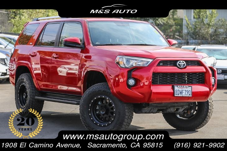 2019 Toyota 4Runner SR5 4X4 With Navigation