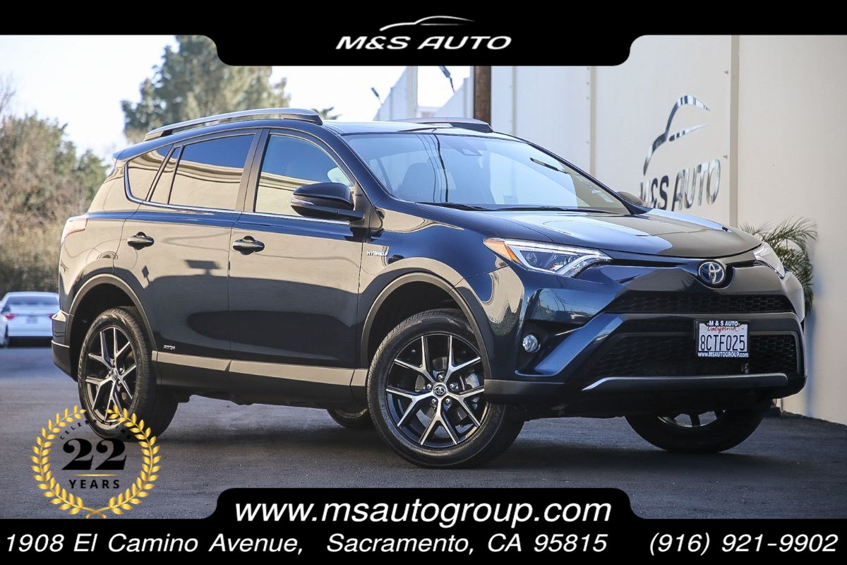 2018 Toyota RAV4 Hybrid SE AWD With Navigation