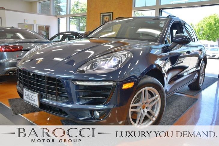 2017 Porsche Macan Navigation,Leather,Like new