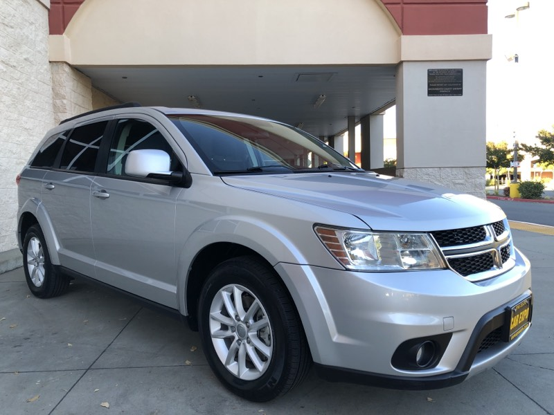 2013 Dodge Journey SXT - AWD - 3 Row Seats