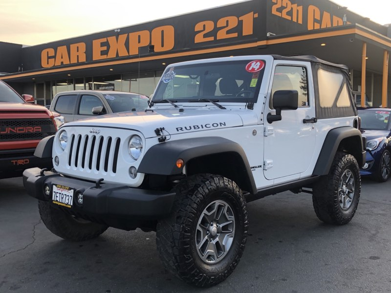 2014 Jeep Wrangler Rubicon 6-Speed Manual 4WD