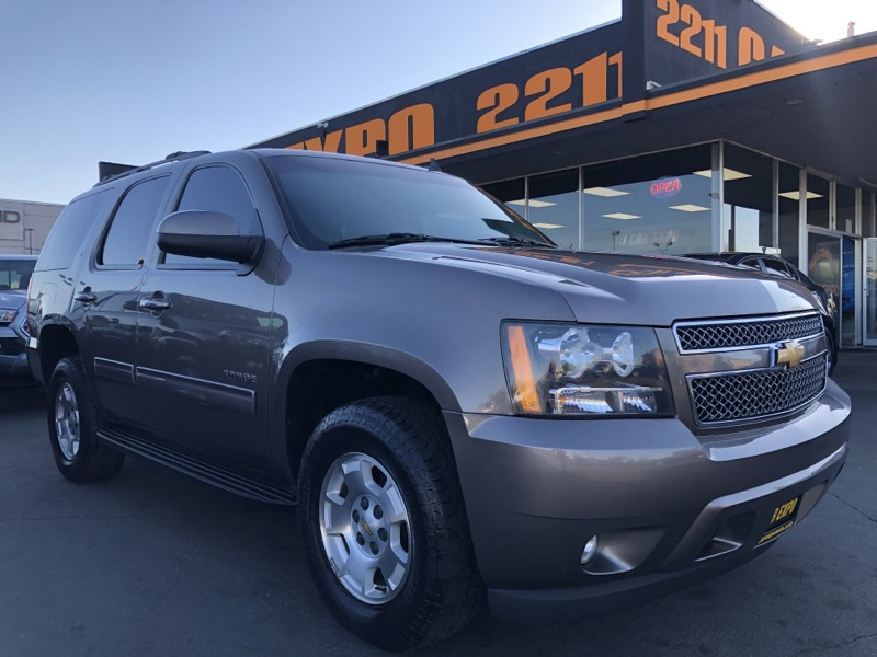 2012 Chevrolet Tahoe LT 4WD  Third-row