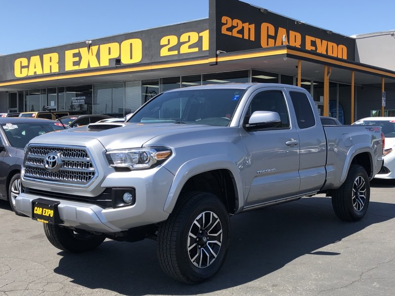 2017 Toyota Tacoma TRD Sport - 6 Speed Manual - 4WD