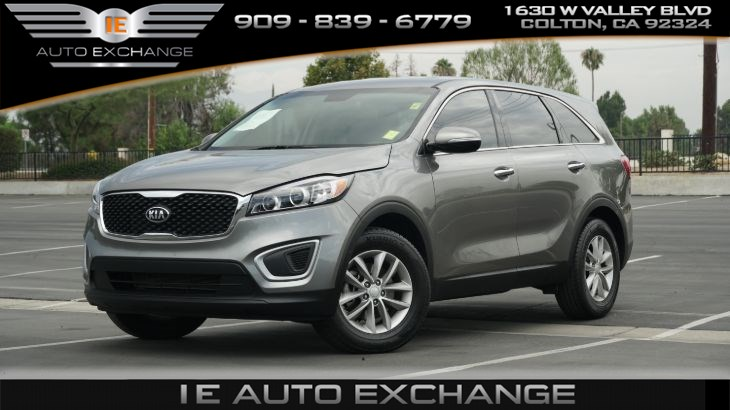 2018 Kia Sorento L (w/ Back-up Camera, Bluetooth, Tinted Windows)