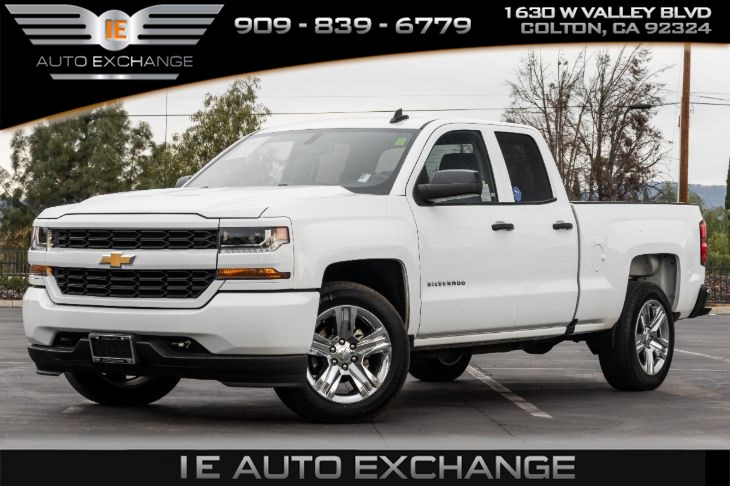 2018 Chevrolet Silverado 1500 Custom (w/ Back-up Camera, Tow Hooks, Bluetooth)