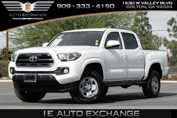 2017 Toyota Tacoma SR5 (w/ SR5 Package, Back-up Camera, Bluetooth)