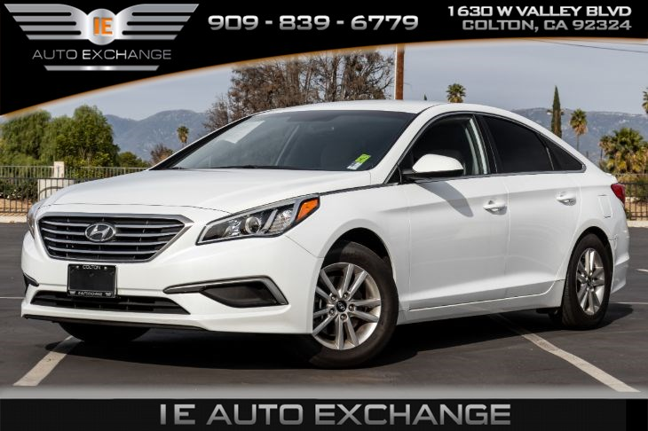 2016 Hyundai Sonata SE (w/ Apple CarPlay, Android Auto, Back-up Camera)
