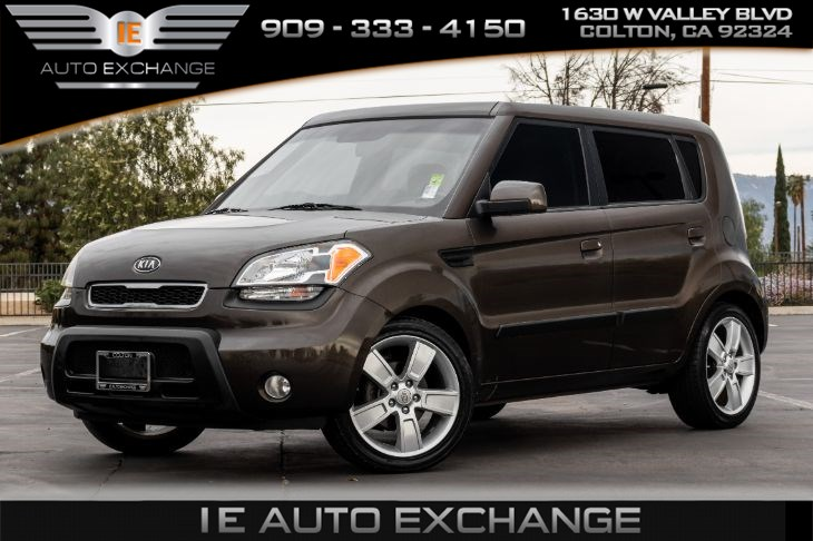 2010 Kia Soul (w/ Bluetooth, Cloth Interior)