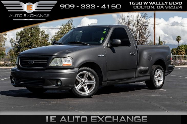 2004 Ford F-150 Heritage Lightning (w/ Cloth Interior, Cruise Control)