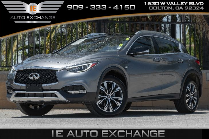 2017 INFINITI QX30 Premium AWD *Limited Availability* (w/ Roof Rack Rails, Navigation Package)