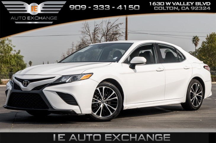 2019 Toyota Camry SE (Bluetooth, Back-up Camera, Leather Interior)