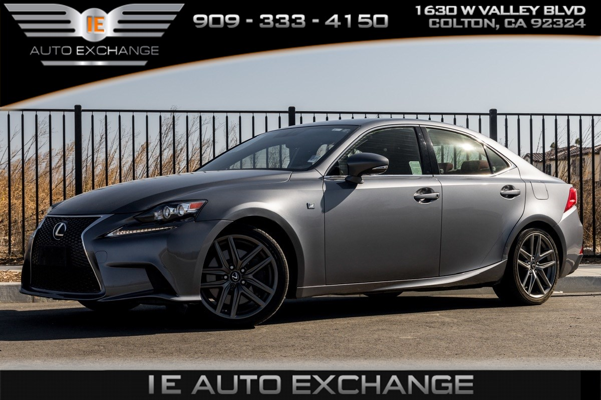 2016 Lexus IS 200t (F Sport Package, Back-up Camera, Bluetooth)