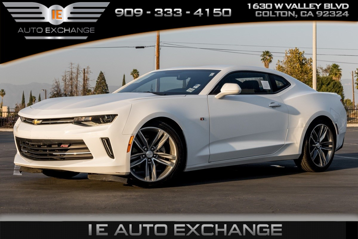 2017 Chevrolet Camaro 1LT (RS Package, Back-up Camera, Bluetooth)
