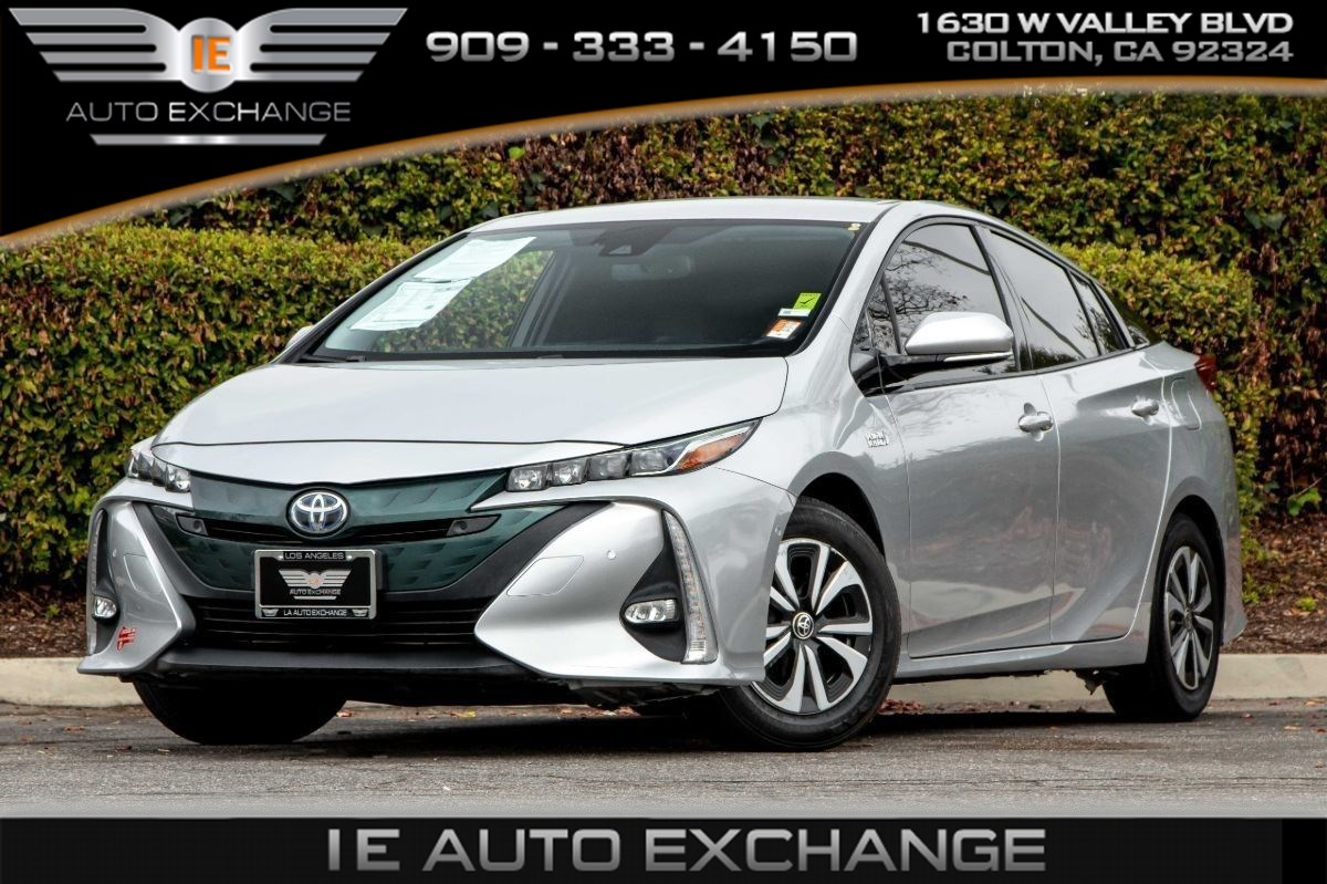2017 Toyota Prius Prime Advanced (Navigation, Back-up Camera, Bluetooth)