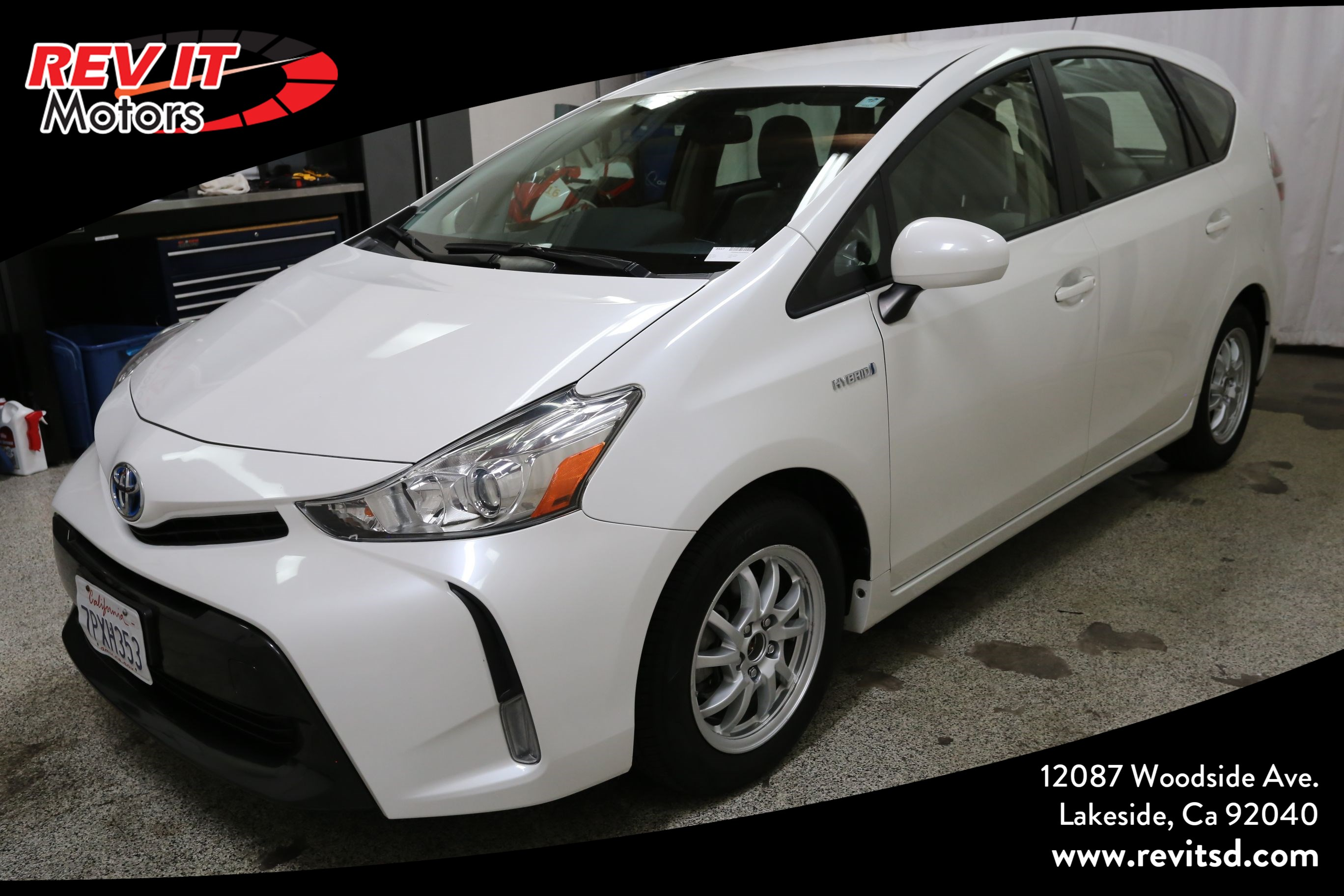 2016 Toyota Prius v Five Wagon 4D