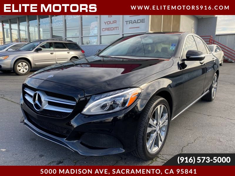 2015 Mercedes-Benz C 300 4MATIC Loaded Panoramic Roof, Heated Seats & More!