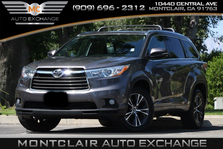 2016 Toyota Highlander XLE (Sun/Moonroof, Backup Cam, Bluetooth)