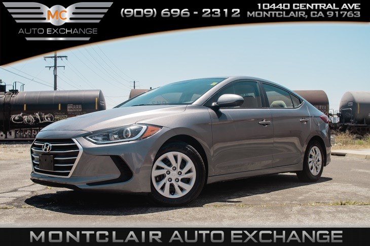 2017 Hyundai Elantra SE (TINTED GLASS, BUCKET SEATS, AIR CONDITIONING)