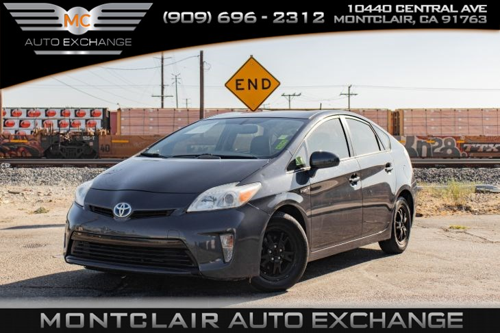 2012 Toyota Prius One ( BACKUP CAMERA, BLUETOOTH, BUCKET SEATS)
