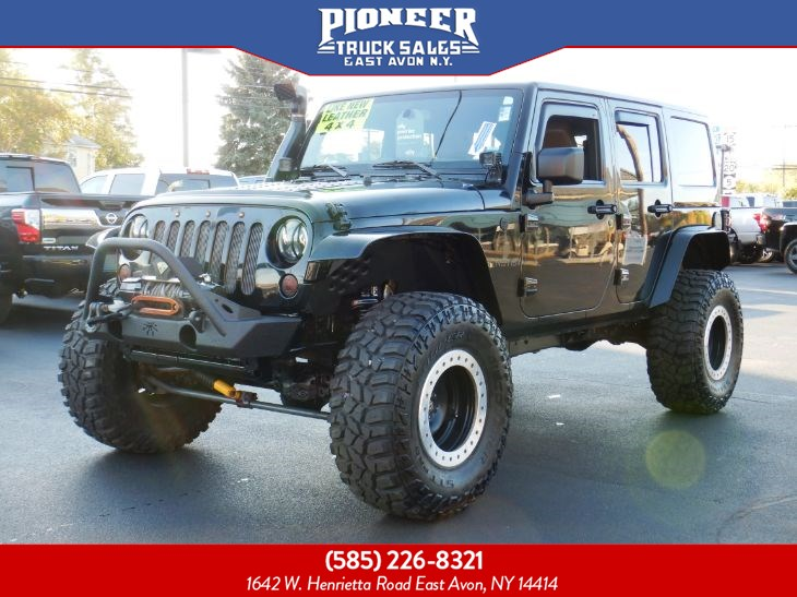 2013 Jeep Wrangler Unlimited Sahara LIFTED