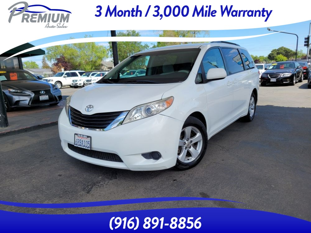 2011 Toyota Sienna LE-BACKUP CAM-BLUETOOTH-8 SEATER -MUST SEE